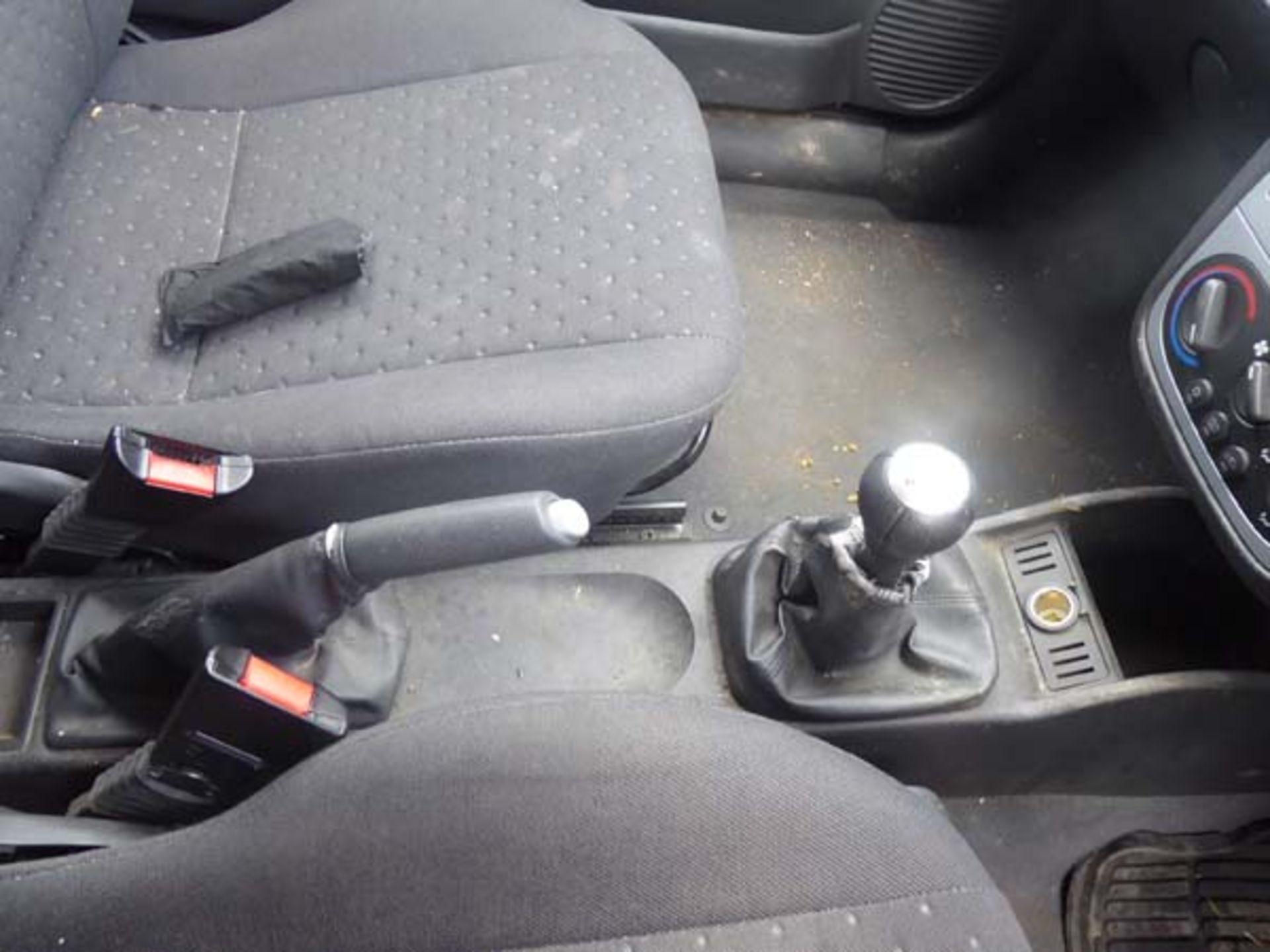 KL53 KTA (2003) Vauxhall Corsa Active 16V, 3 door hatchback, 1199cc, petrol, in silver, 39'044 - Image 7 of 12