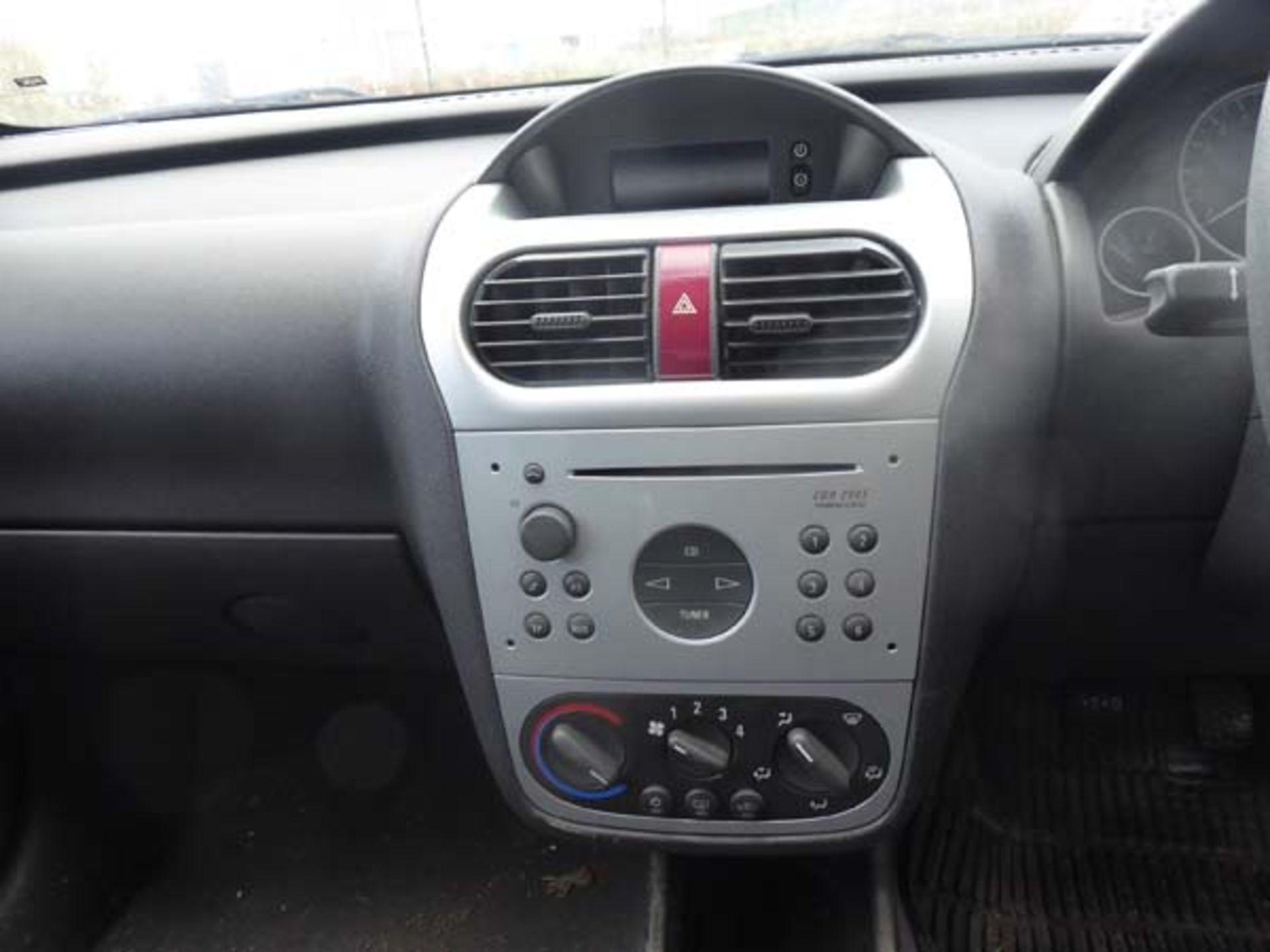 KL53 KTA (2003) Vauxhall Corsa Active 16V, 3 door hatchback, 1199cc, petrol, in silver, 39'044 - Image 6 of 12