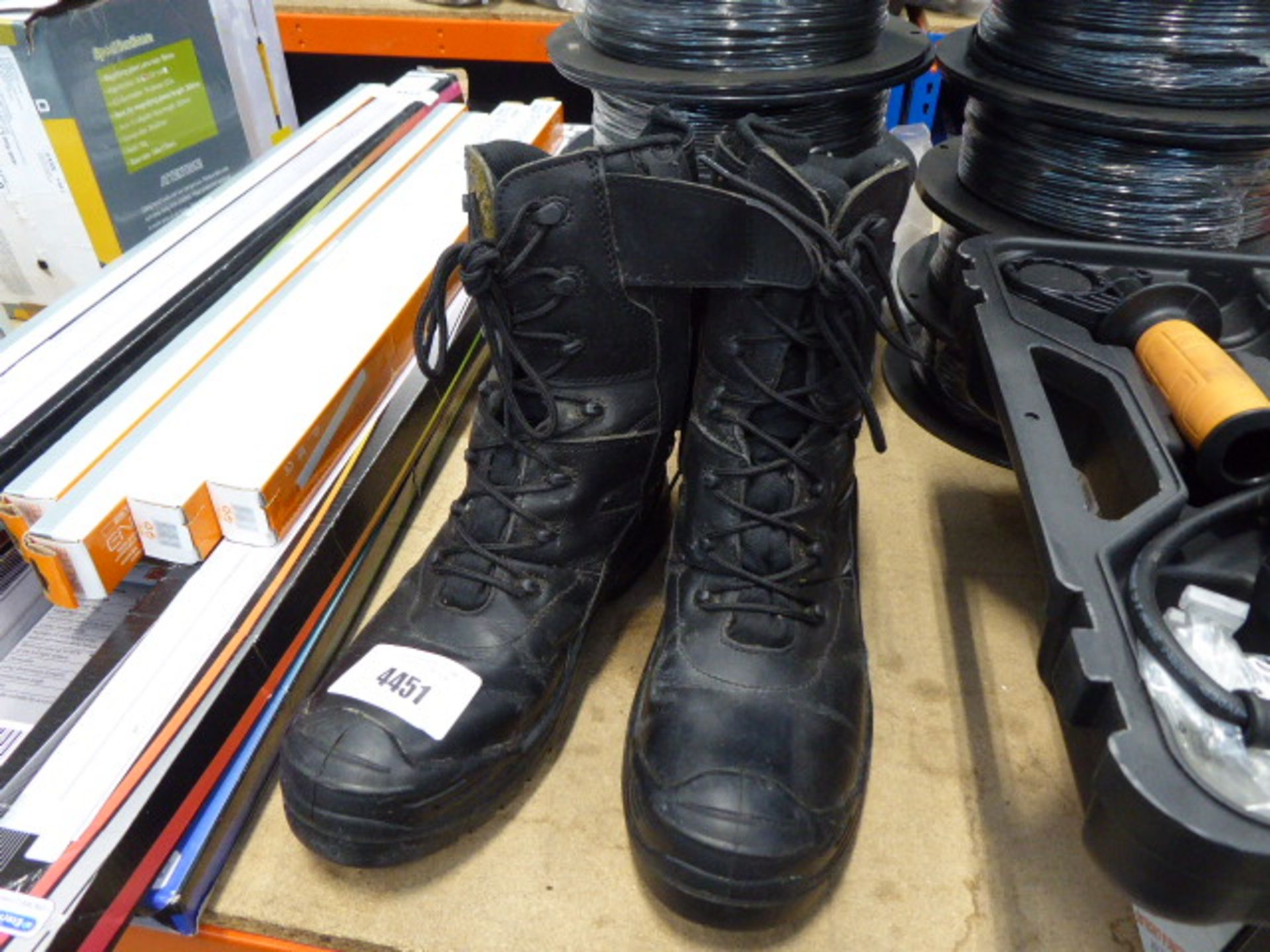 Pair of used Apache work boots size UK 9