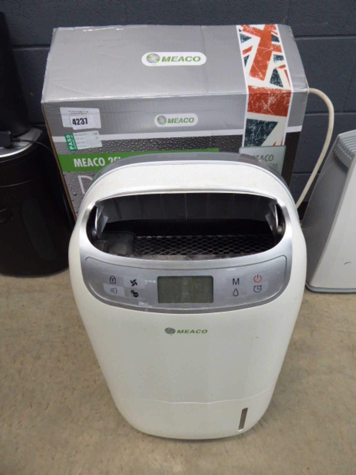 Meaco 25 litre ultra low MG dehumidifier (boxed)