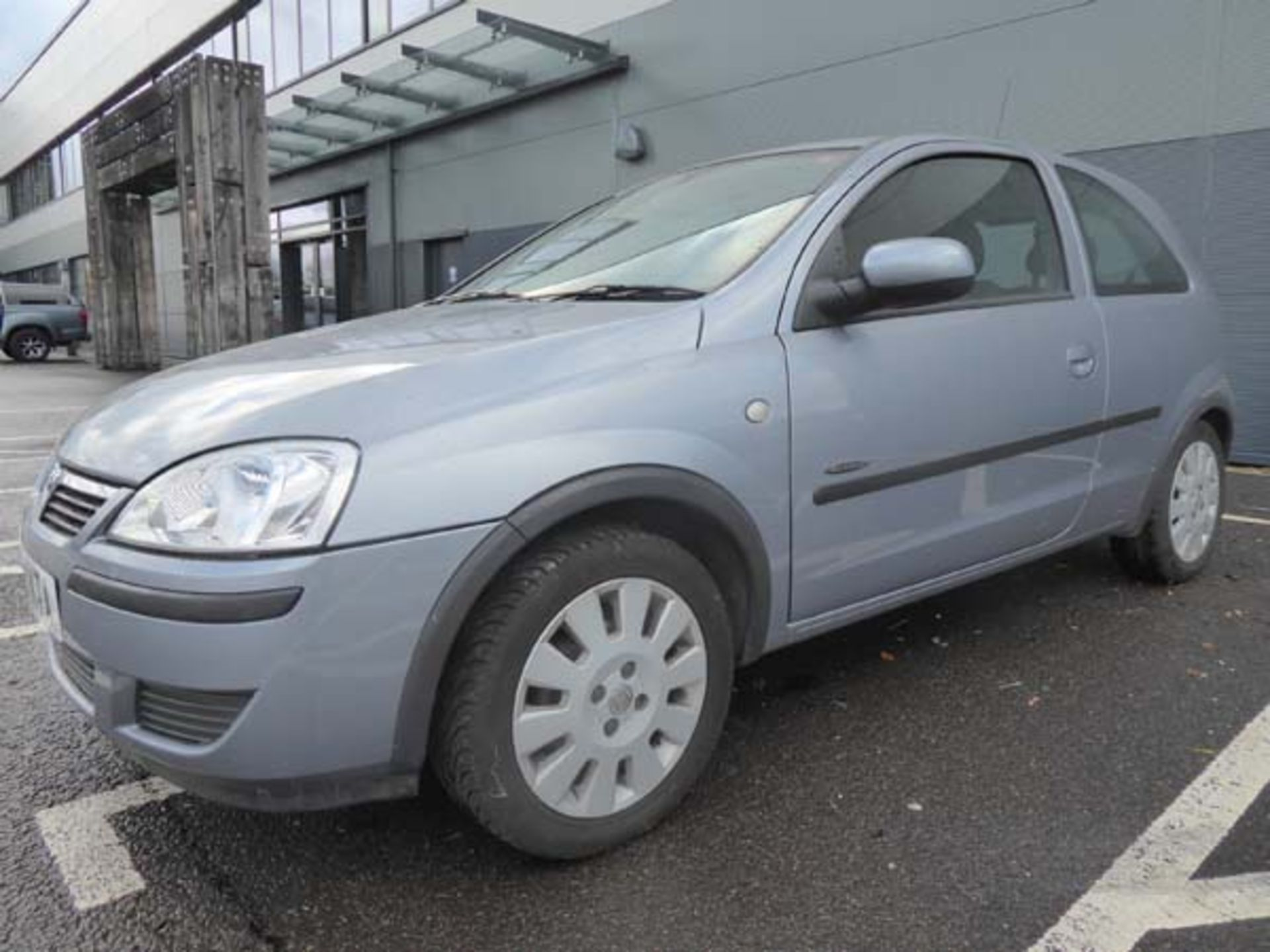 KL53 KTA (2003) Vauxhall Corsa Active 16V, 3 door hatchback, 1199cc, petrol, in silver, 39'044 - Image 2 of 12