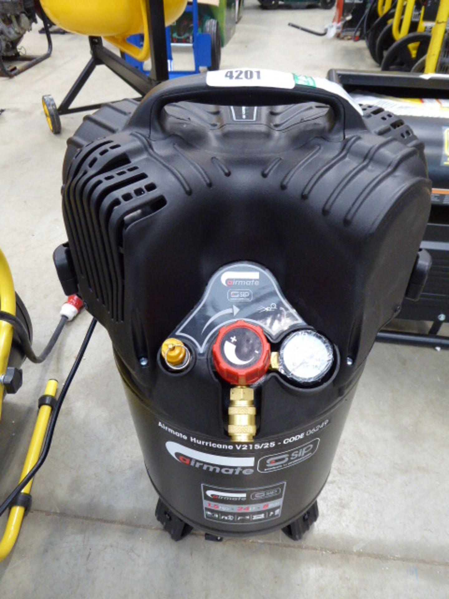 Small SIP 24 litre upright compressor