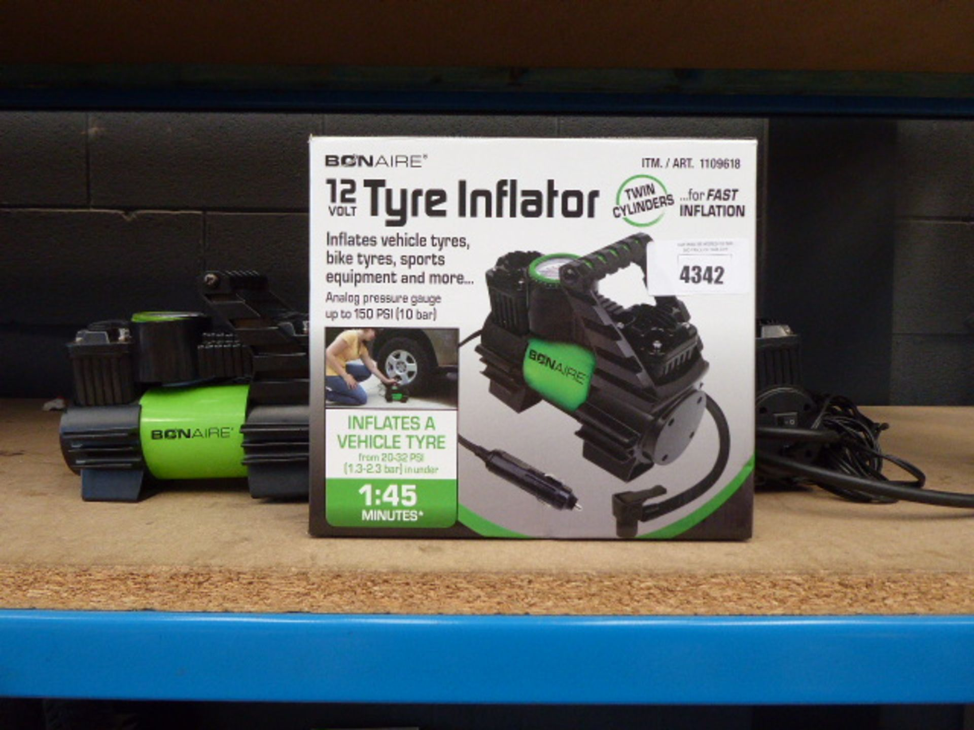 1 boxed and 2 unboxed 12v tyre inflators
