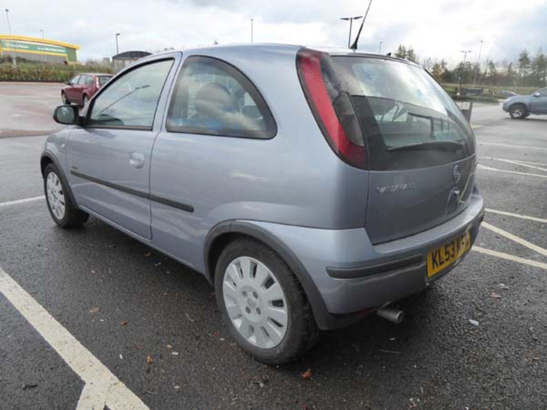 KL53 KTA (2003) Vauxhall Corsa Active 16V, 3 door hatchback, 1199cc, petrol, in silver, 39'044 - Image 5 of 12