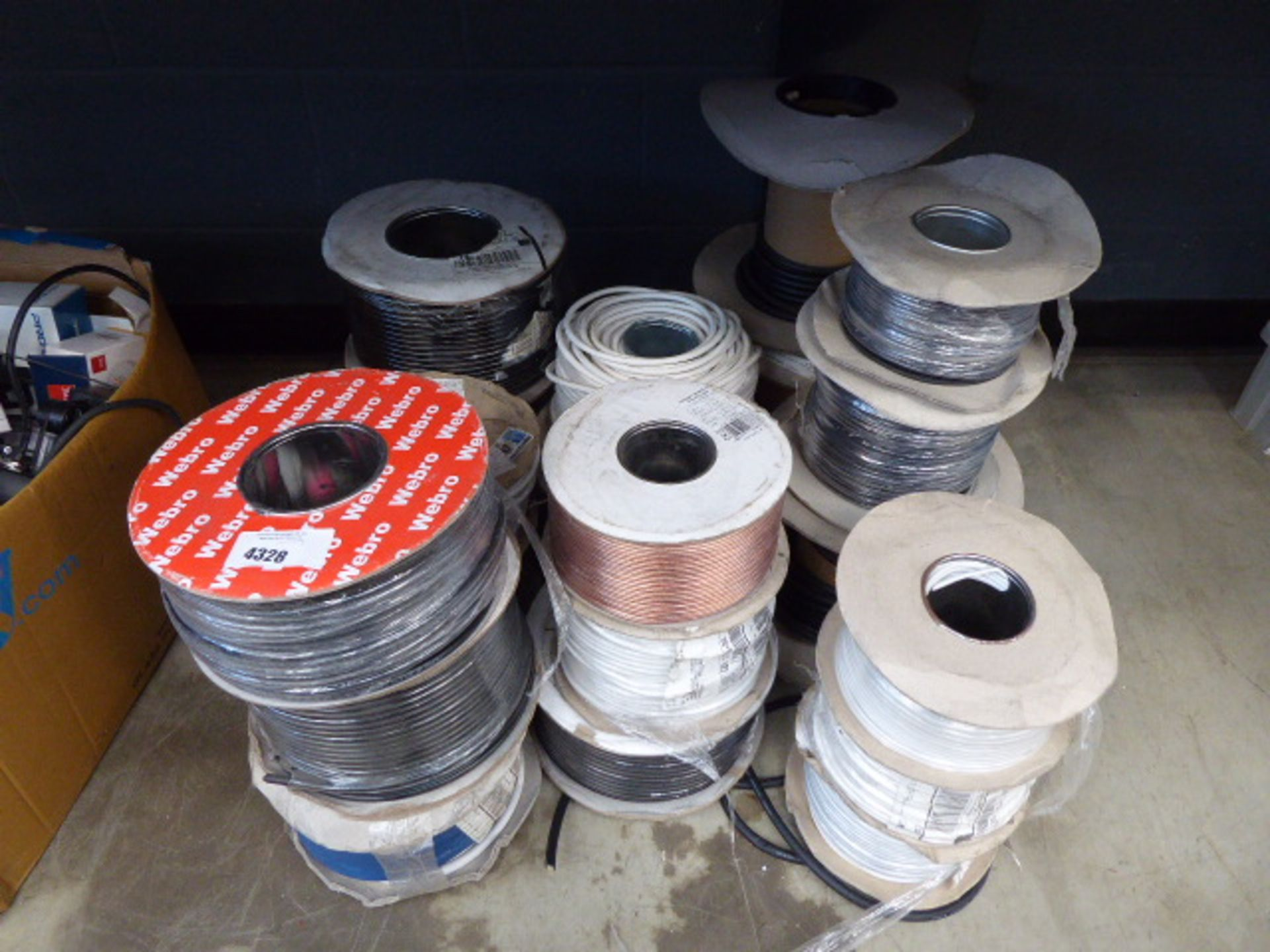 Approx 19 rolls of assorted cable