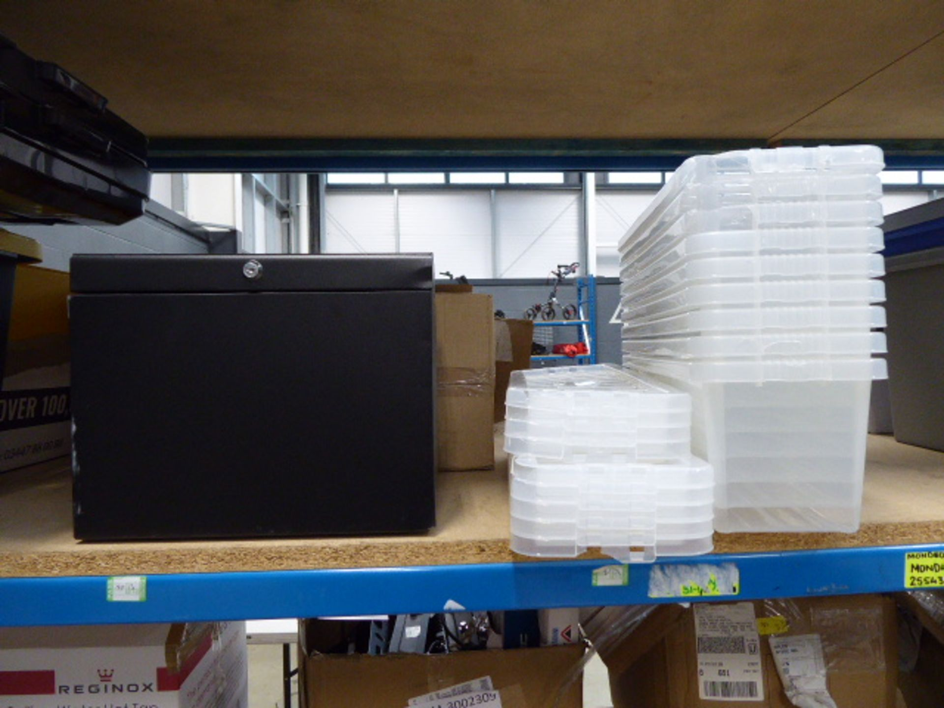 Shelf of assorted storage boxes - Image 3 of 4