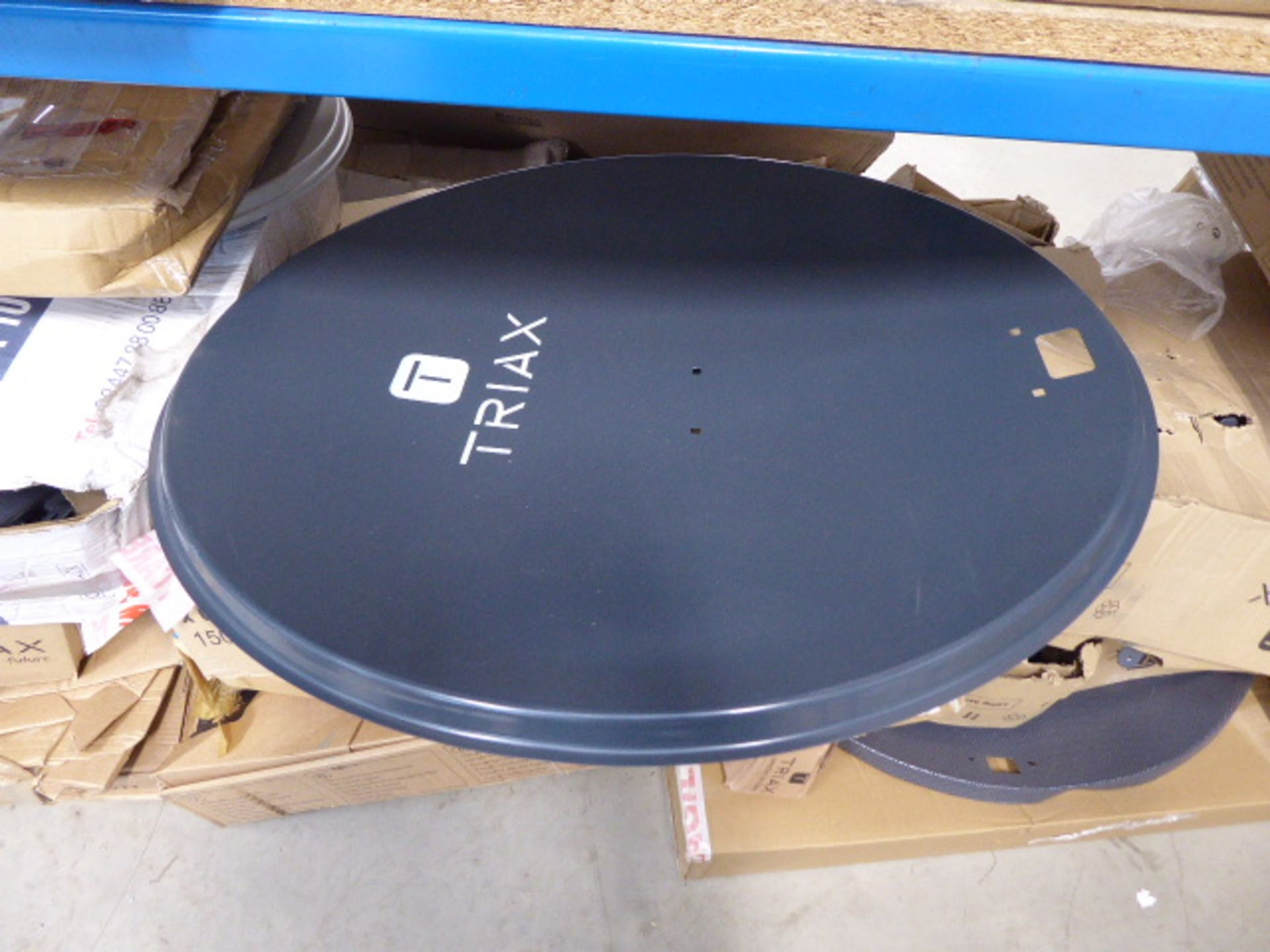 Large underbay of satellite dishes and aerials - Image 2 of 4