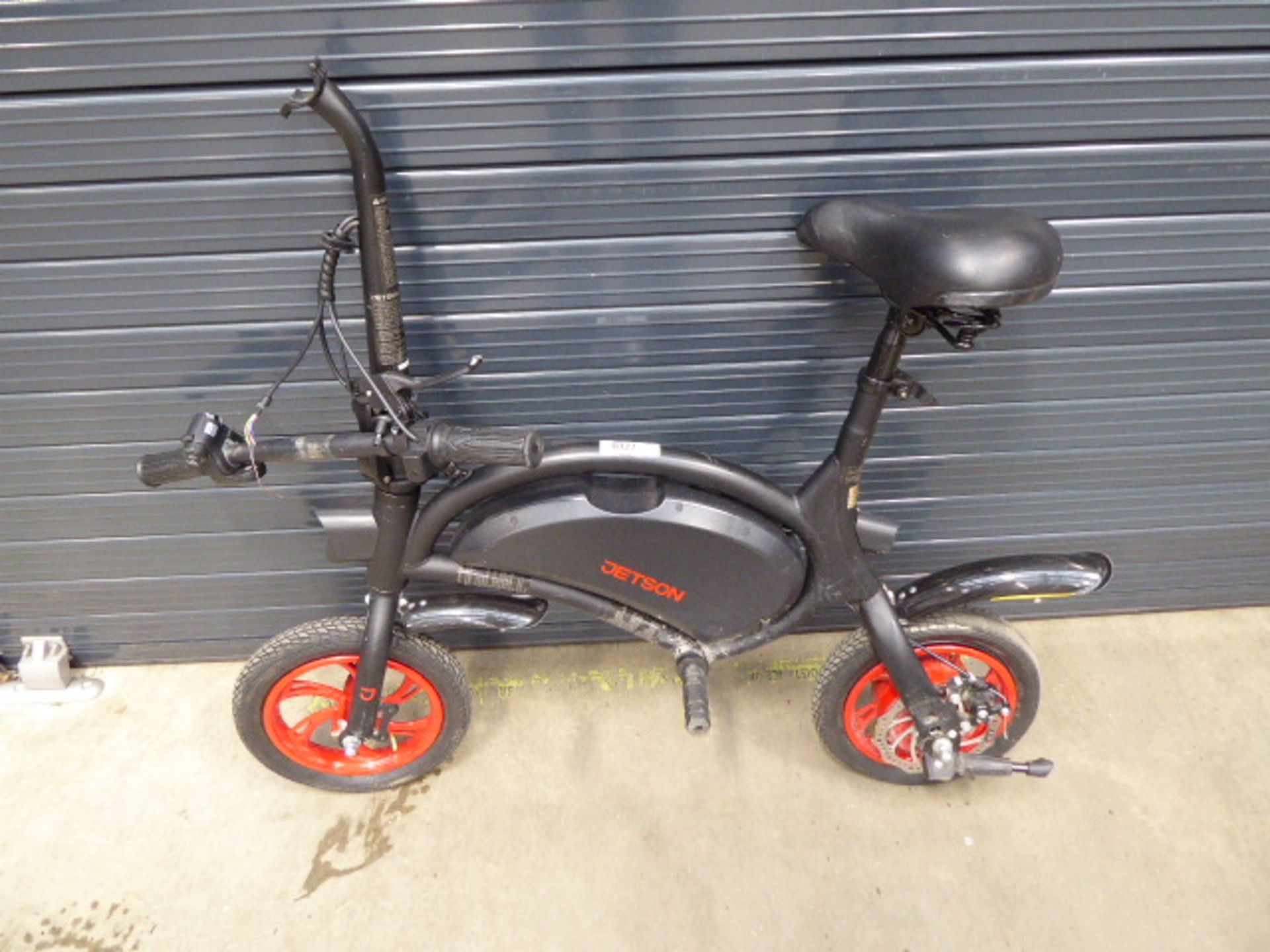 Jetson 2 wheel electric scooter bike (damaged handlebars, no charger)