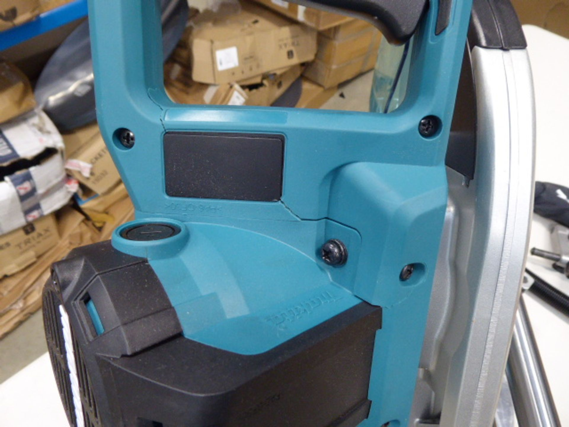 Makita 305mm slide compound mitre saw - Image 5 of 7