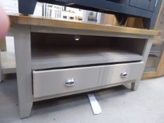 5127 Chester Grey Painted Oak Small TV Unit (20)