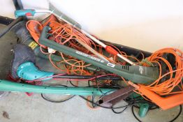 Collection of approx. 5 electric garden strimmers