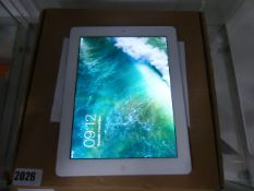 Apple iPad 4 in white, wifi in cellular, model A1460