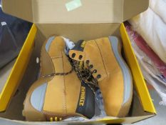 Boxed pair of Dewalt industrial boots size 7
