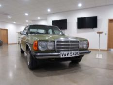 1982 Mercedes 240 D, 4 door saloon, diesel, first registered 17.05.1982, in green, registration