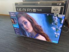R6 55'' Hisense ULED TV 55U7QFTUIK inc Box B9