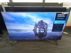 R26 70'' Samsung Crystal UHD 4K TV UE70TU7100 inc Box B25