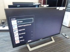 R36 Sony 32'' TV KDL-32WD754 with remote and box B34