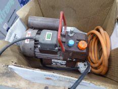 Small electric compressor