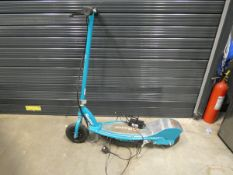 Razor electric scooter with charger