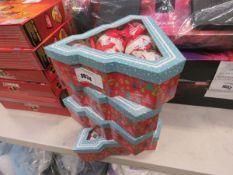4 Santa Christmas bauble sets