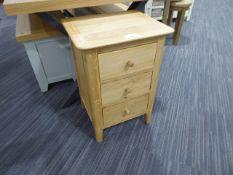 Bergen Oak Large Bedside Cabinet (56)