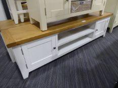 Hampshire White Painted Oak Extra Large TV Unit (28)