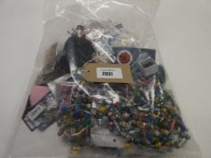 Small bag of costume and dress jewellery