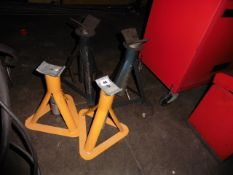 2 pairs of axle stands