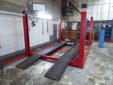 Lions Equipment 524 JC 4000kg, 4 post MOT lift, Yr 2004, 3ph (excluding jacking beam)