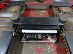 HH Lions Equipment Ltd 542 jacking beam, 2000kg, Yr 2007
