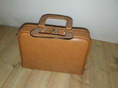 Going away travel Handbag