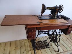 Sewing Machine Table