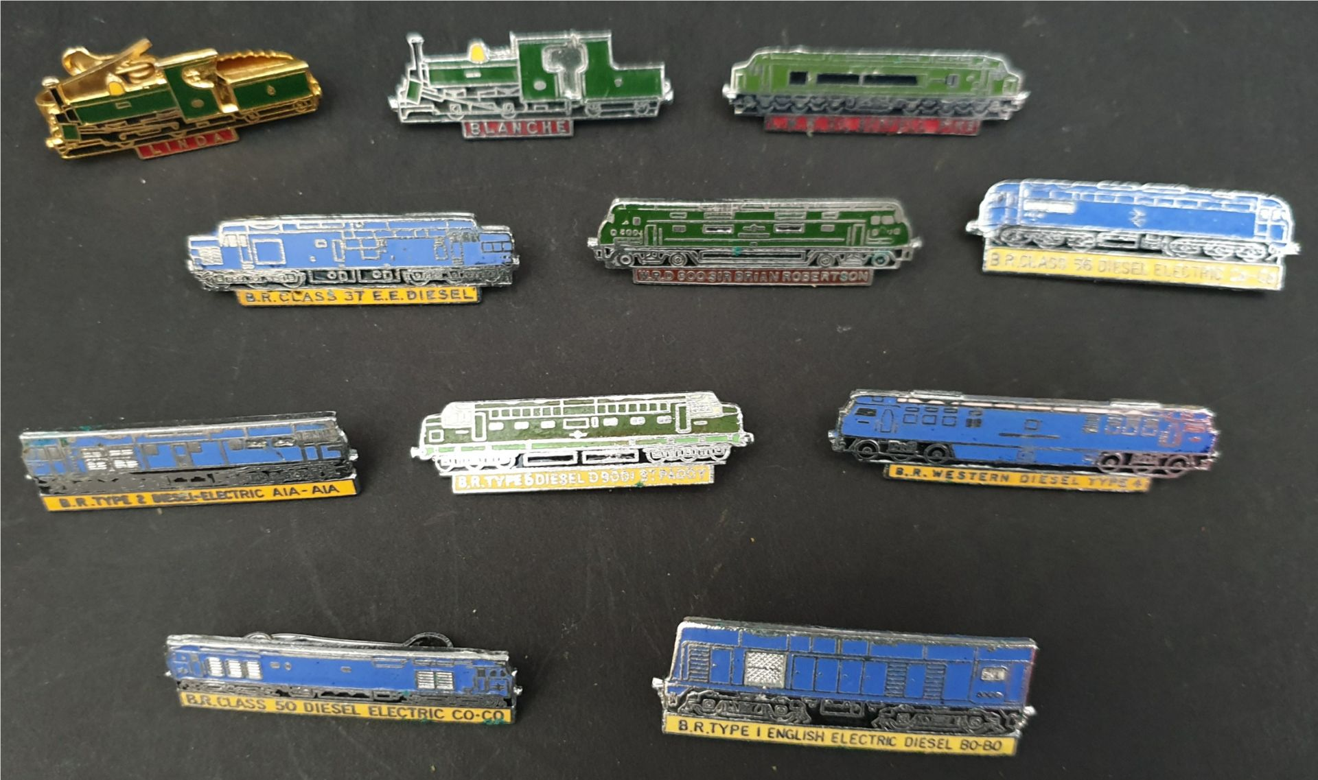 Lot 5 - Collectable 11 x Enamel Train Badges