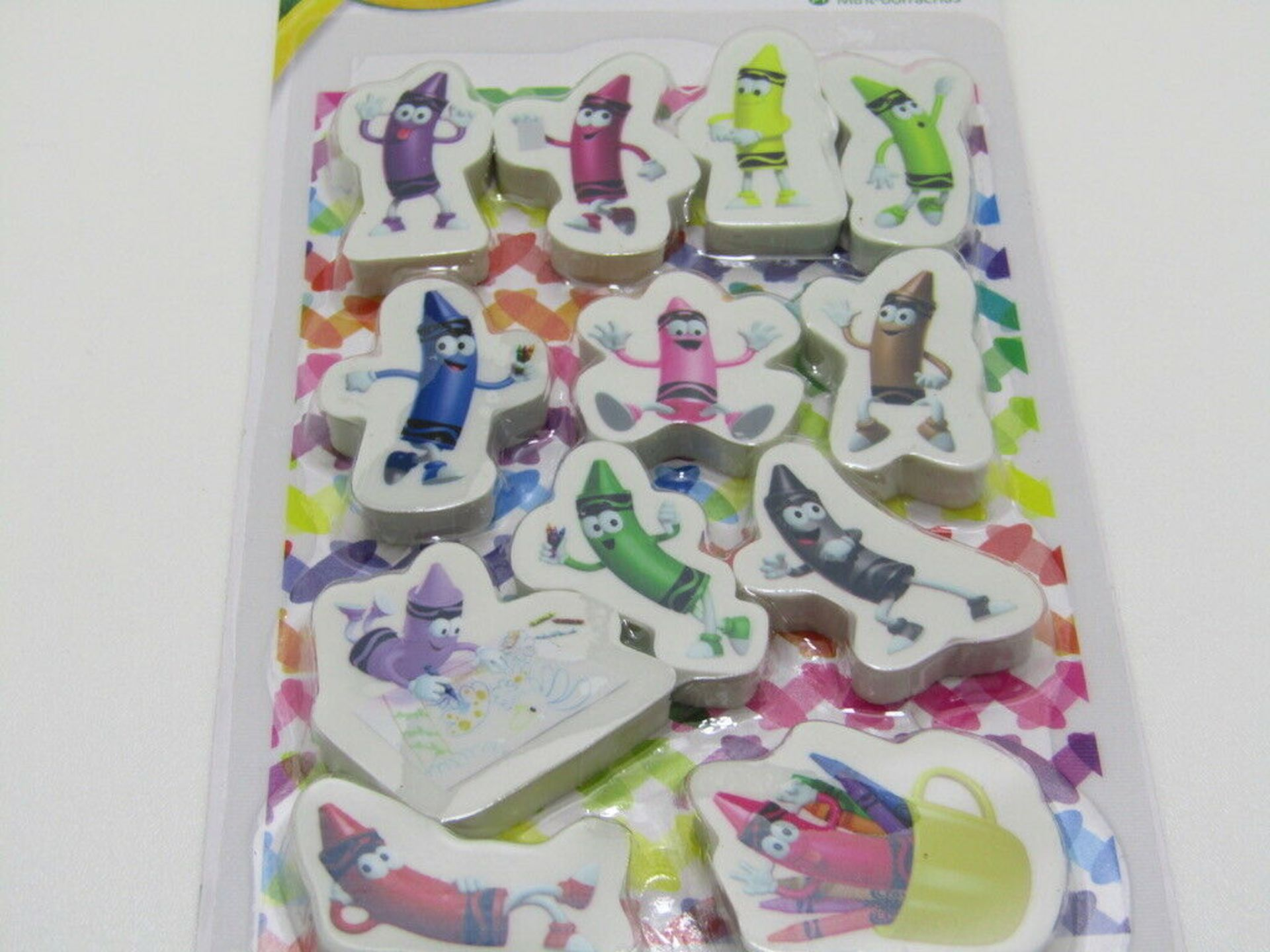 Lot 69 - 20 x CRAYOLA pack of 12 Mini Erasers.no vat on hammer.You will get 20 packs of 12 erasers.Crayola