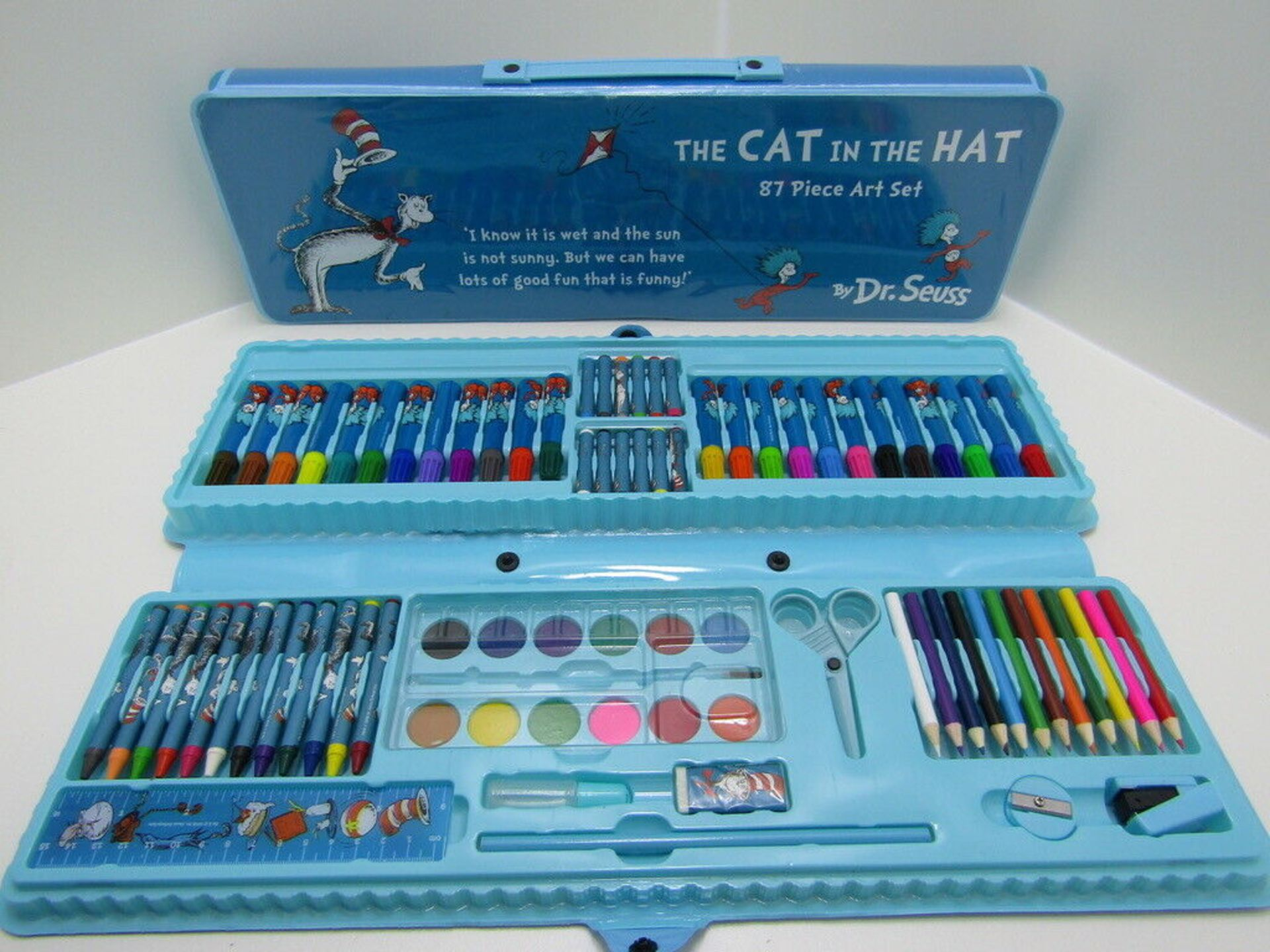 Lot 14 - 10 x 87 piece Art Set Cat in the Hat. Dr. Seuss. no vat on hammer.You will get 10 of these.Set