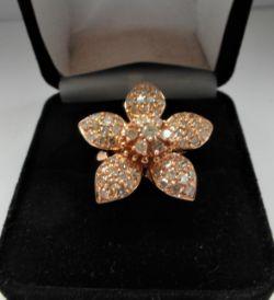18Ct Rose Gold 5 Leaf Petal Pattern Diamond Ring