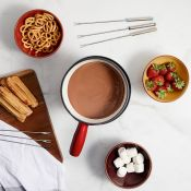(NN44) Swiss Fondue Set With this all-in-one set, you can enjoy the indulgent experience of Sw...