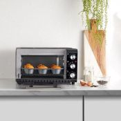 (V155) 20L Mini Oven Make cooking easy in even the smallest spaces with this mini oven. 20L ca...