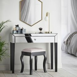 (S353) Mirrored Dressing Table Add a touch of luxury to your bedroom with this stunning mirror...