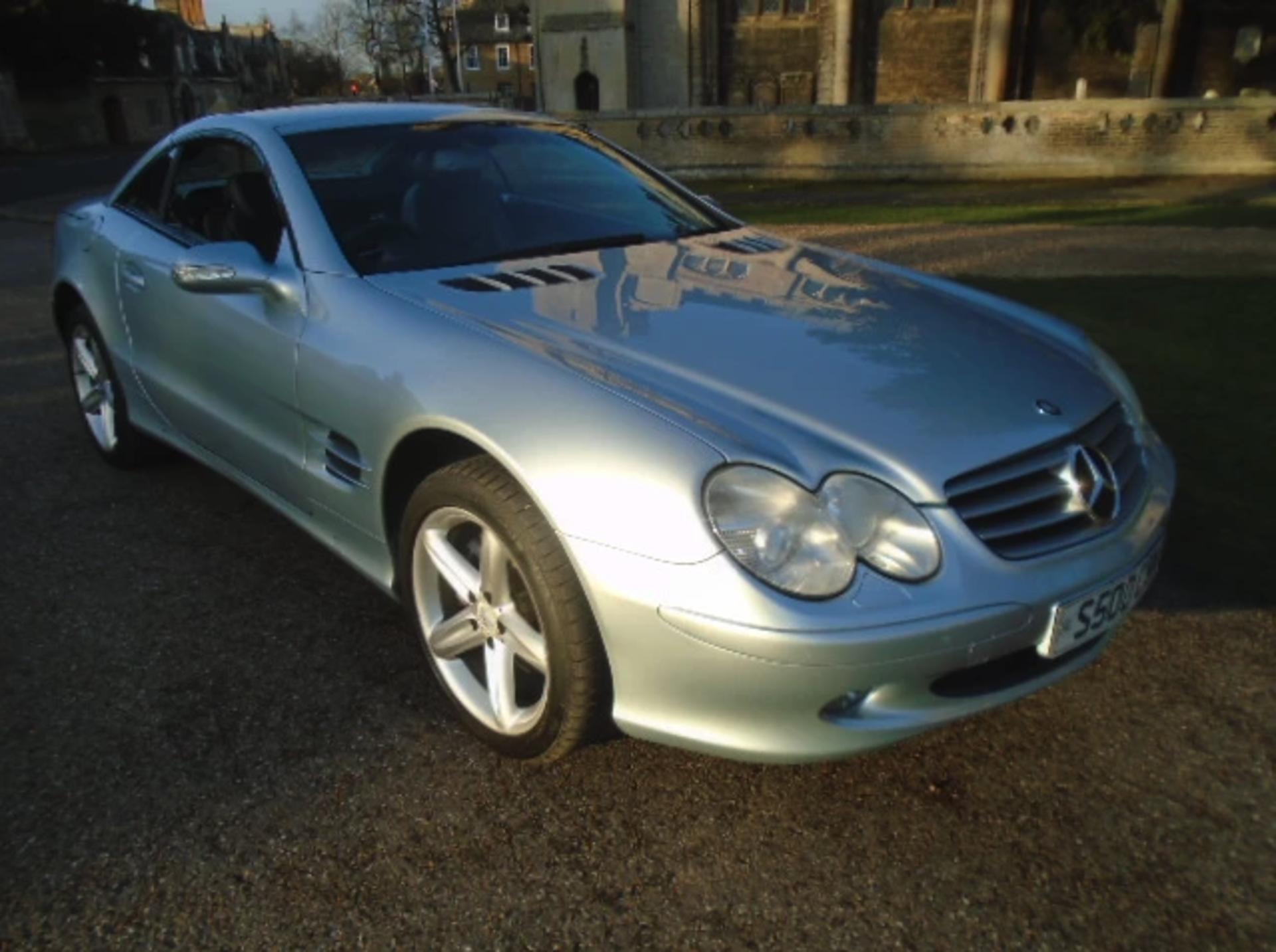 Lot 17 - 2003 Mercedes 500SL Convertible