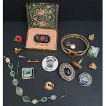Parcel of Assorted Costume Jewellery & Badges