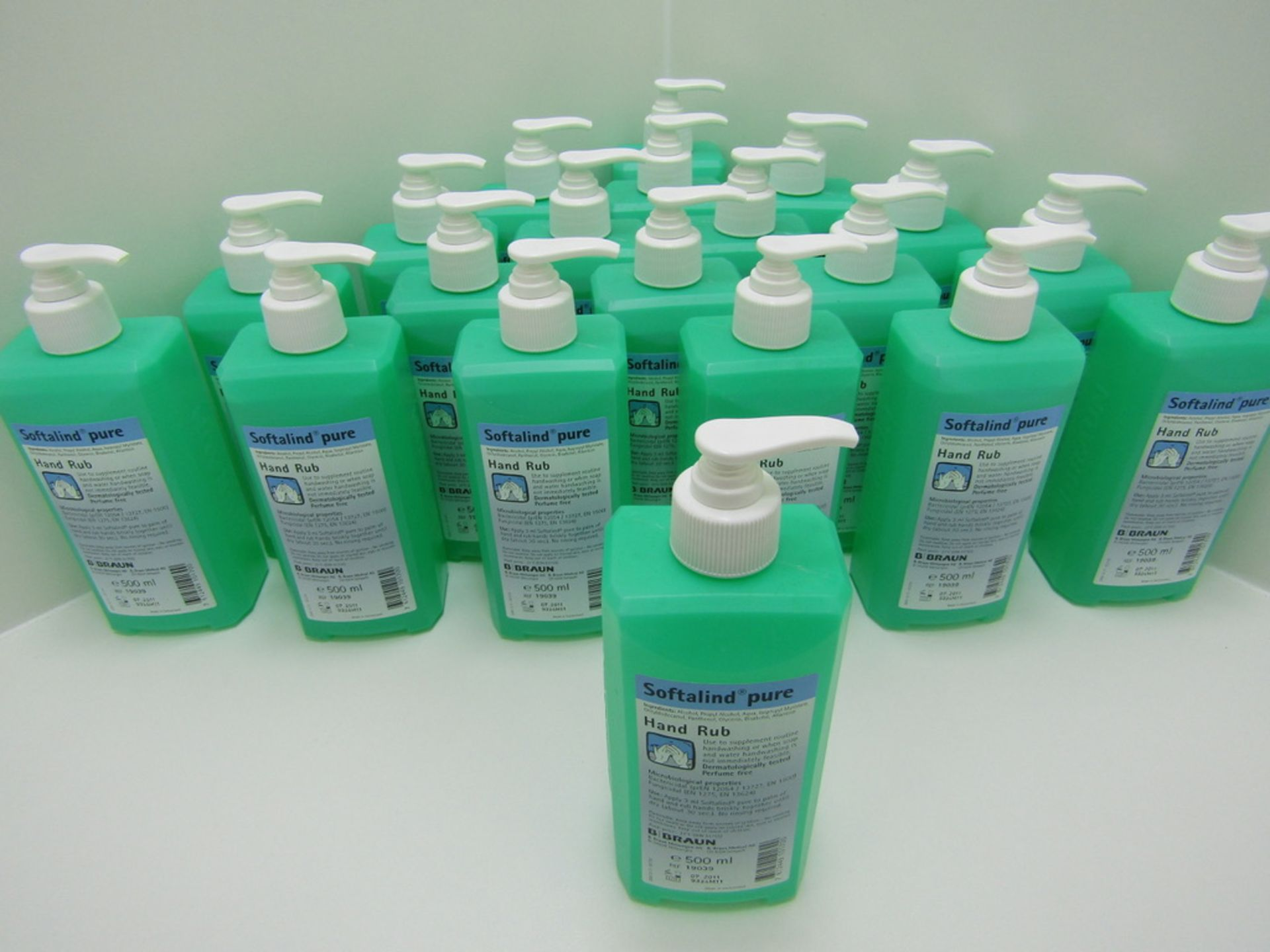 Lot 1 - 20 x 500ml Alcohol Hand Sanitiser