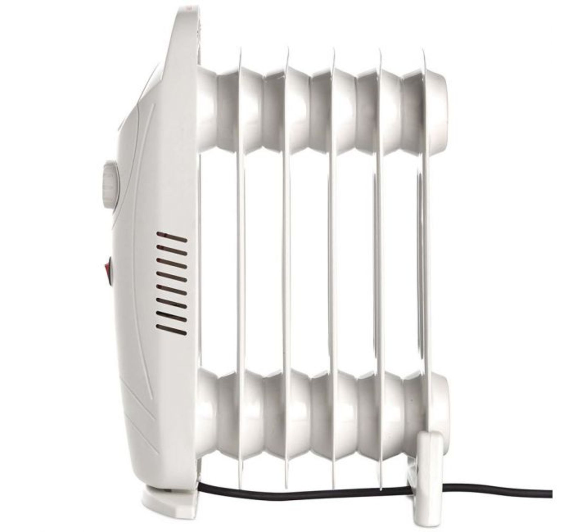 Lot 85 - (X34) 1x 6 Fin 800W Oil Filled Radiator - White. Compact yet powerful 800W radiator with 6 oil-fil