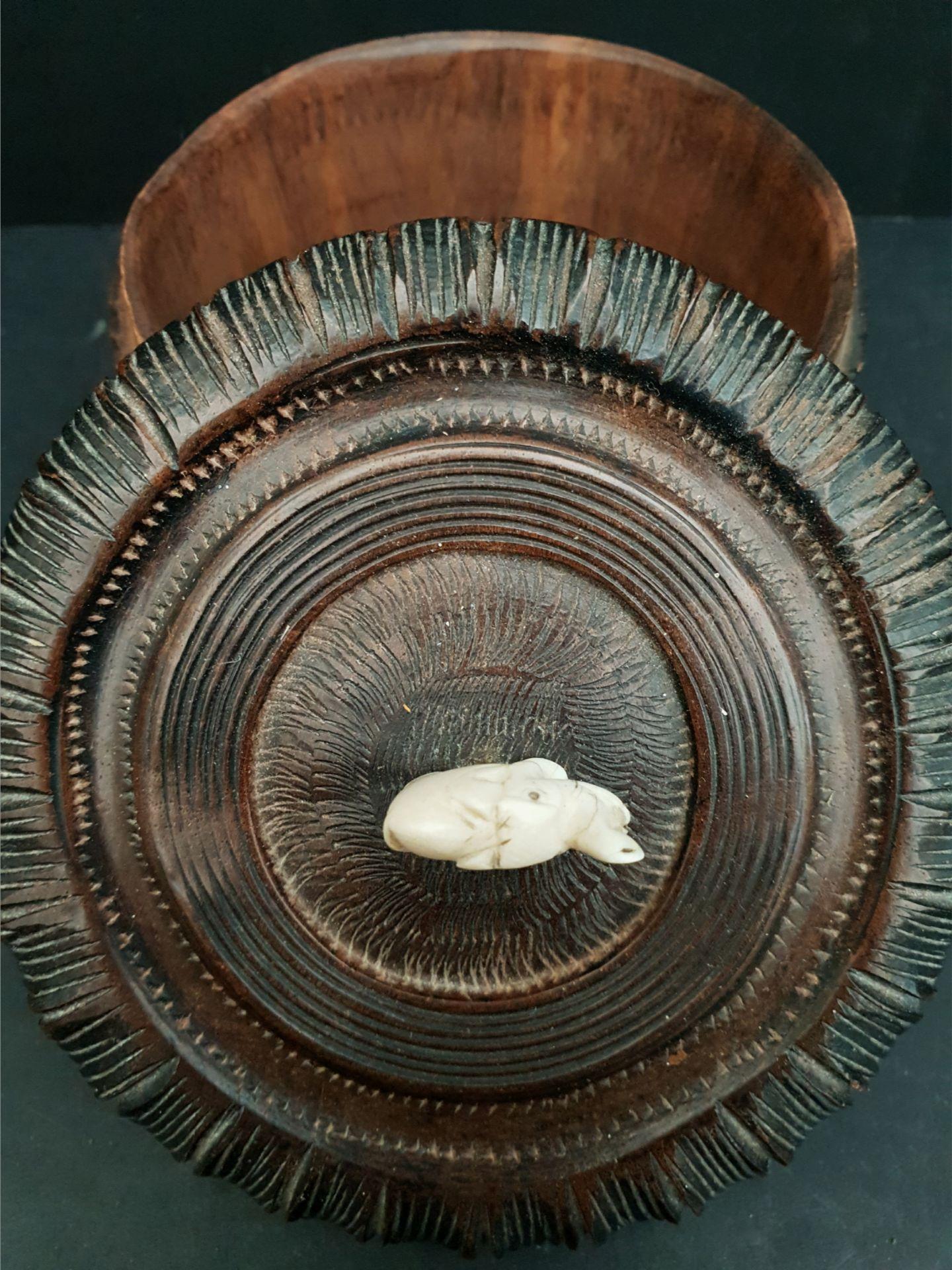 Vintage 2 x Carved Wood African Sculptures - Image 4 of 4