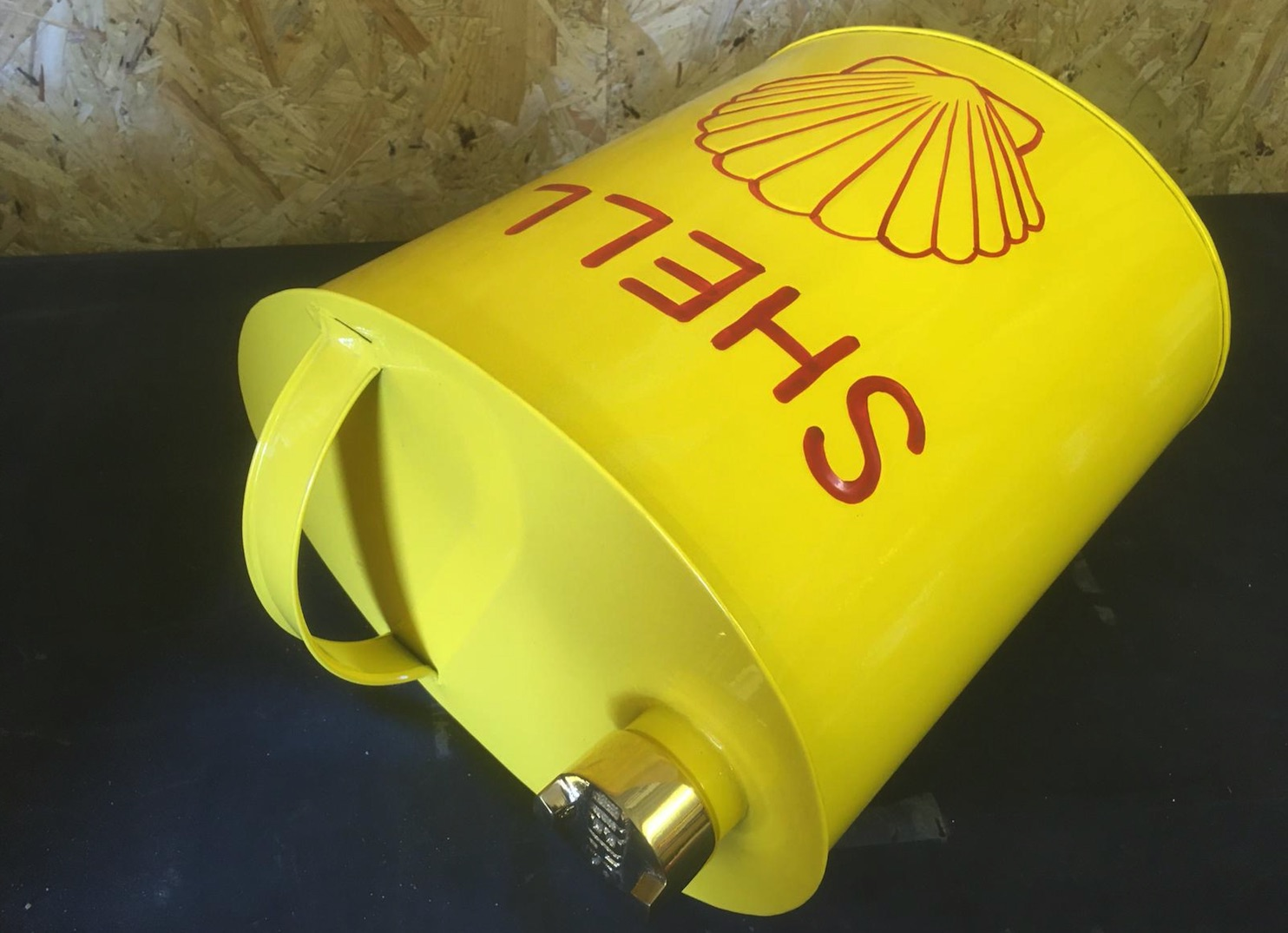 Lot 3 - Shell Oil Can
