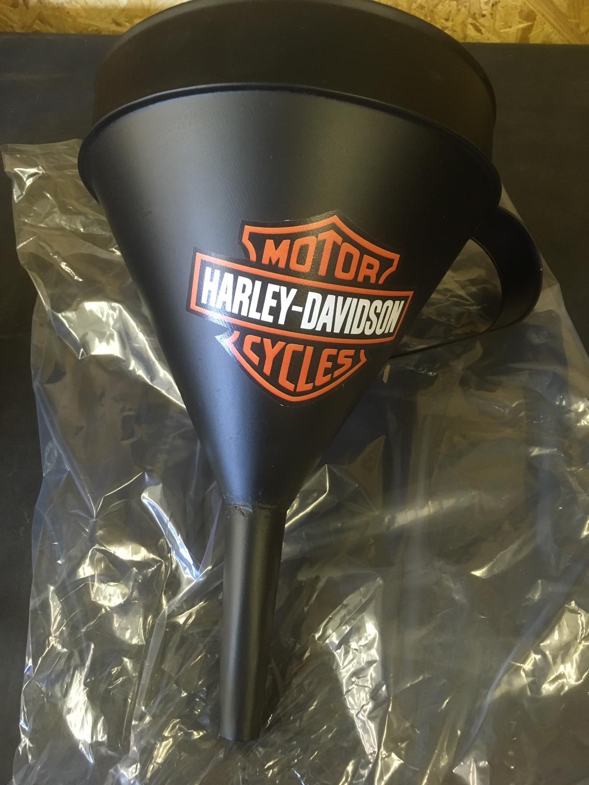 Lot 34 - Medium Harley Davidson Motorcycles Oil Filling Cone