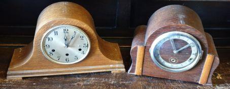 Vintage 2 x Wooden Cased Mantel Clocks