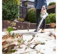 (JH6) 3000W 3-in-1 Leaf Blower Powerful 3000W motor blows, vacuums and mulches leaves into mat...