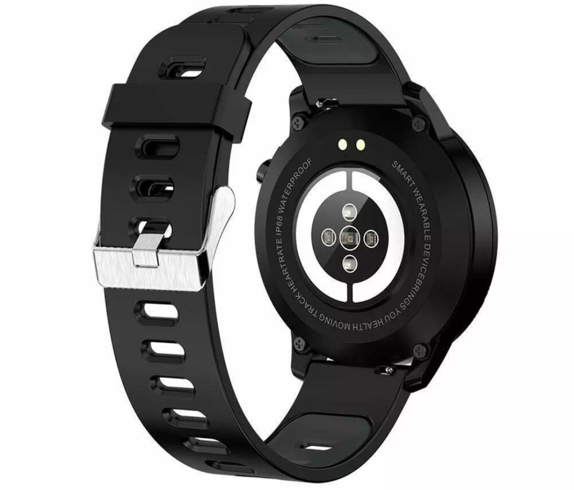 Lot 158 - L8 Smart Watch Blood Pressure Heart Rate Smart Bracelet Fitness Tracker, Red/ Black Strap