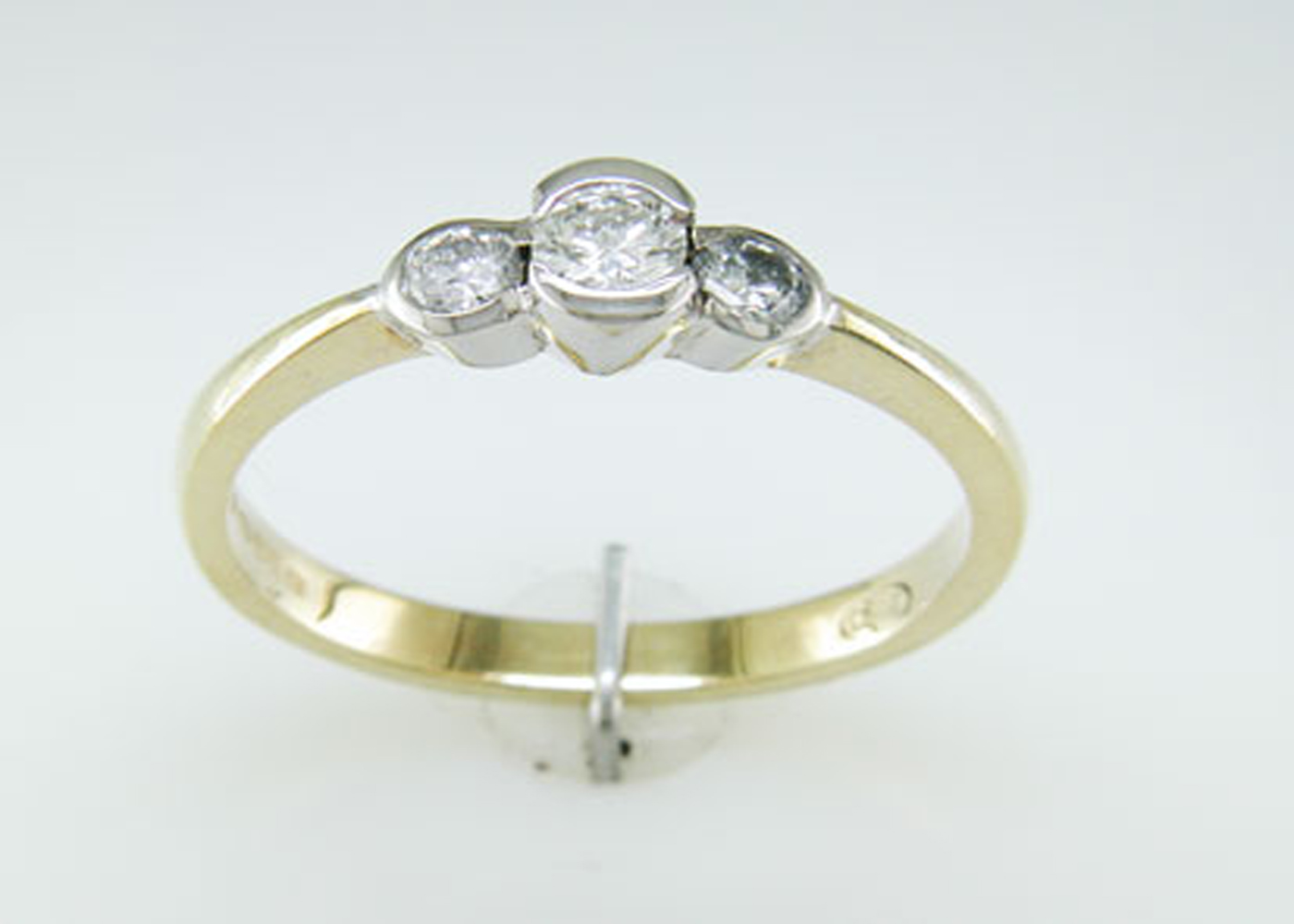 Lot 10 - 18ct Three Stone Rub Over Set Diamond Ring 0.65 Carats
